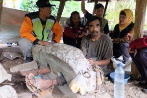 Suyanto, Pria Malang yang Dipasung Karena Gila Setelah Gagal Menikah