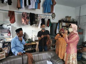 Politikus PDIP Malang Berdayakan Penjahit Bikin Masker