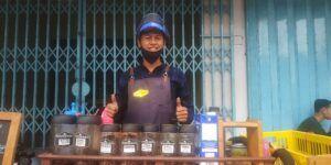 Uniknya Kopi Kaki Lima di Kota Malang, Bukti Ngopi Tak Butuh Tempat Istimewa