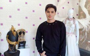 Mengenal Gerry Yo, Desainer Masker Glamor Asal Malang yang Mendunia