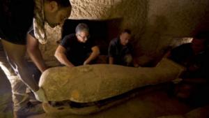 mesir temukan peti mati berusia 2500 tahun