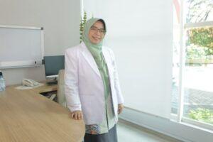 Dokter Spesialis Anak, dr Ditya Arisanti SpA imunisasi di tengah pandemi