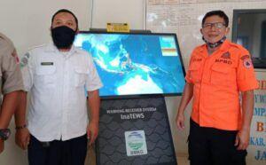 BMKG dan BPBD Kab Malang saat uji coba alat WRS melalui simulasi gempa buatan berkekuatan 9,1 SR sebagai langkah mitigasi kesiapsiagaan hadapi bencana (Foto: azm)