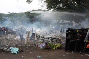 Polisi Tangkap 80 Demonstran Aksi Tolak Omnibus Law di Malang
