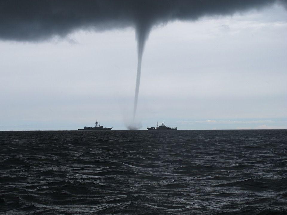 Ilustrasi angin puting beliung. BMKG Imbau Masyarakat Surabaya Mulai Waspada Bencana Puting Beliung