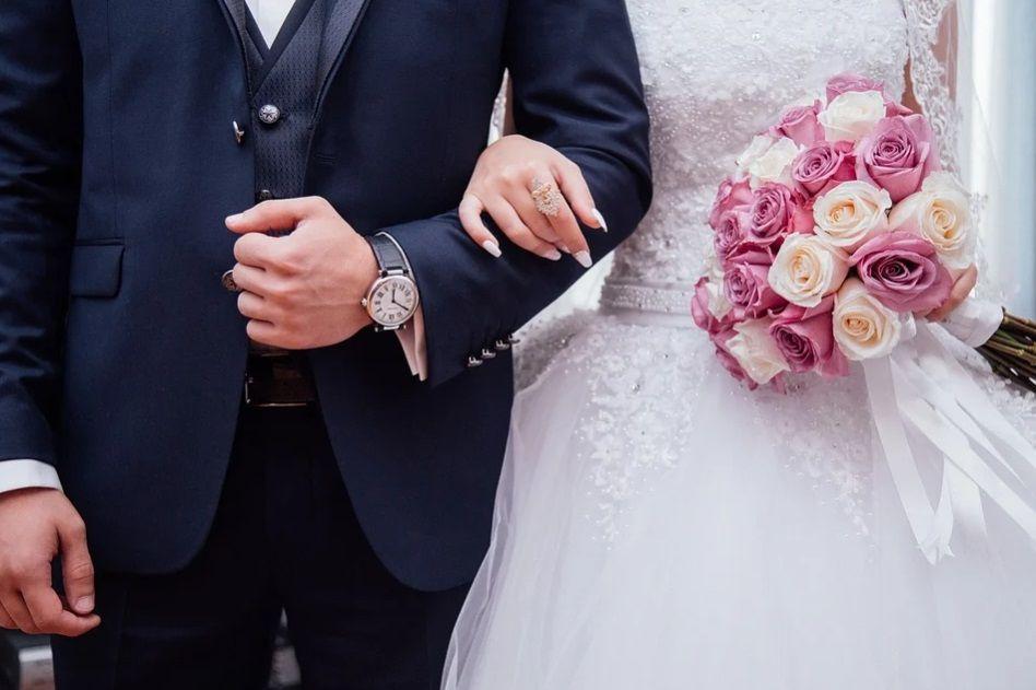 Ilustrasi pernikahan, Mitos pernikahan