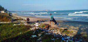 Sampah plastik kemungkinan lebih banyak berakhir di pesisir pantai atau daratan.