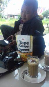Tape Crispy asal Bondowoso yang ikut program UKM Digi bersama Climate Change Frontier. (Foto: Dokumen)
