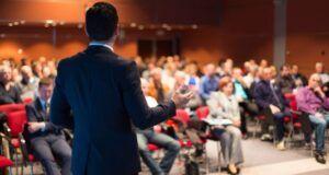 Ilustrasi public speaking, skill penting yang dibutuhkan saat ini