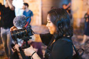 Ilustrasi jurnalis tv video
