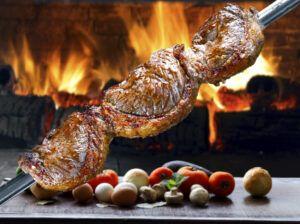 Peringatan Hari Ayah di Brasil dilakukan dengan memakan sejenis daging panggang. (Foto:
