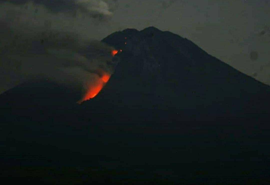 status gunung semeru level II waspada