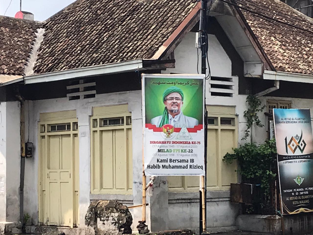 baliho dan spanduk Habib Rizieq di Malang. Aliansi Ormas Malang Bersatu Tolak Kedatangan Habib Rizieq di Malang