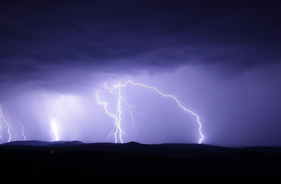 Ilustrasi cuaca buruk BMKG Prediksi Cuaca Ekstrem Landa Jawa Timur hingga 2 Desember