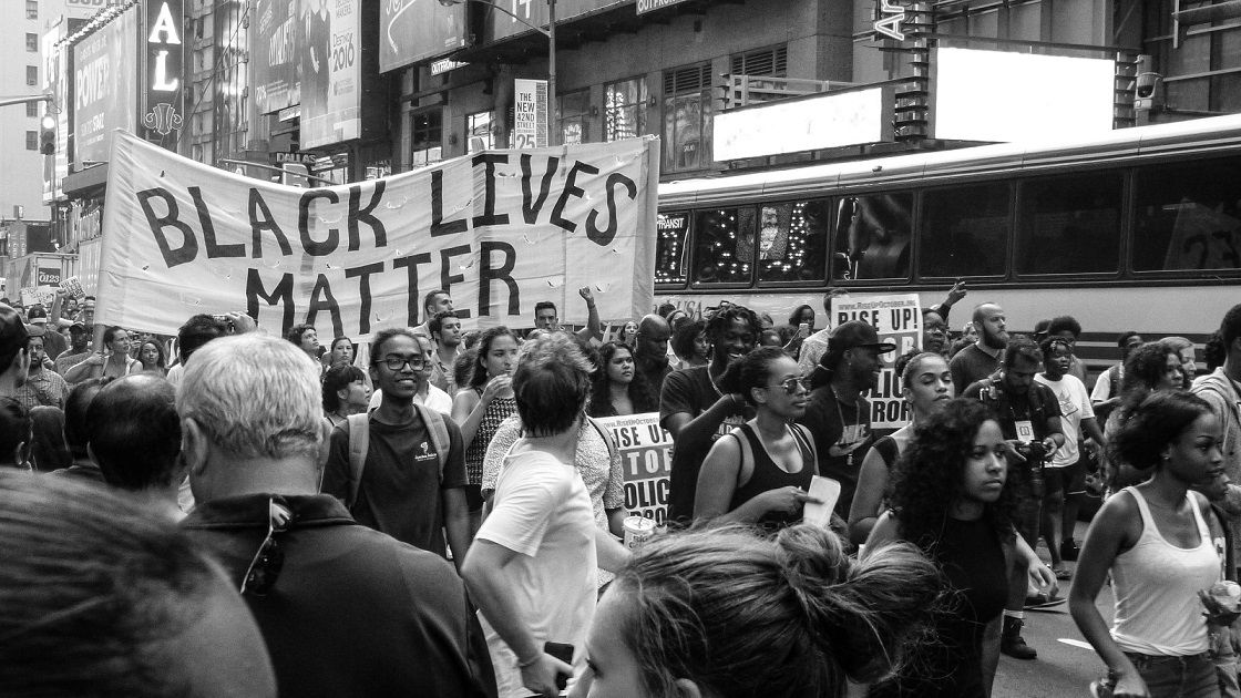 Black Lives Matter. Protes terkait pembunuhan warga kulit hitam oleh polisi berkulit putih. (Foto: Unsplash) kaleidoskop internasional 2020