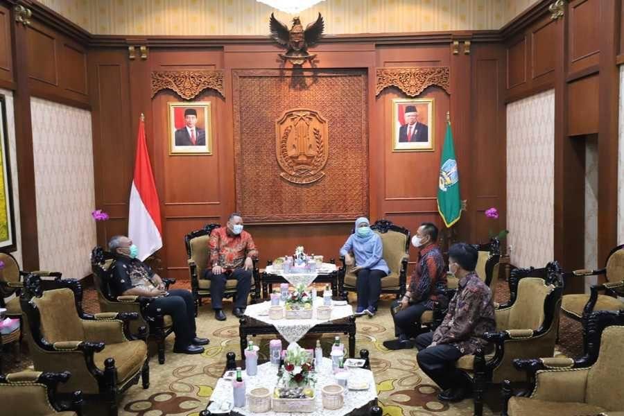 Audiensi bersama Gubernur Jatim Khofifah dan juga Plt Wali Kota Surabaya Whisnu Sakti Buana. (Foto: Humas Pemkot Surabaya)