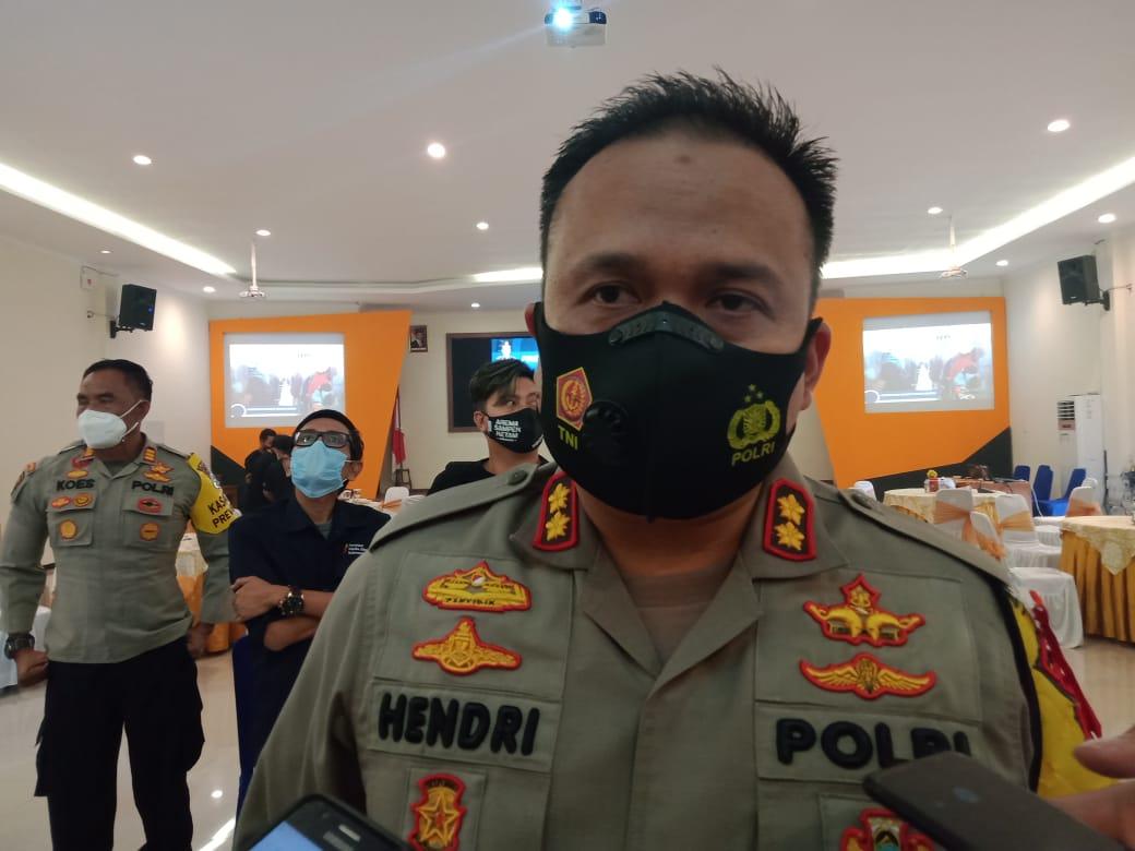Kapolres Malang, AKBP Hendri Umar saat memberikan pernyataan terkait antisipasi gelombang demo dari FPI (Foto: RAP/Tugu Malang/Tugu Jatim)