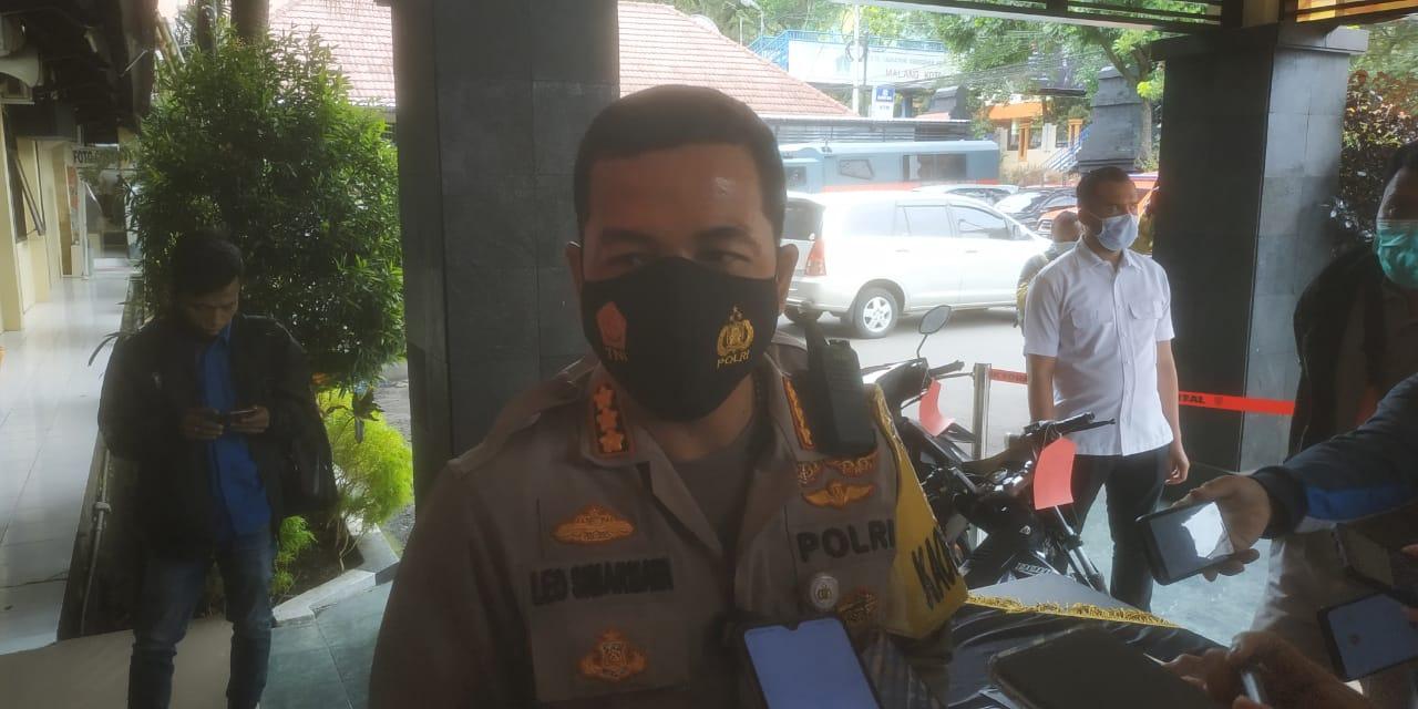 Kapolresta Malang Kota Kombes Pol Leonardus Simarmata. (Foto: Azmy/Tugu Malang/Tugu Jatim) saat mengomentari kotak amal milik jaringan teroris