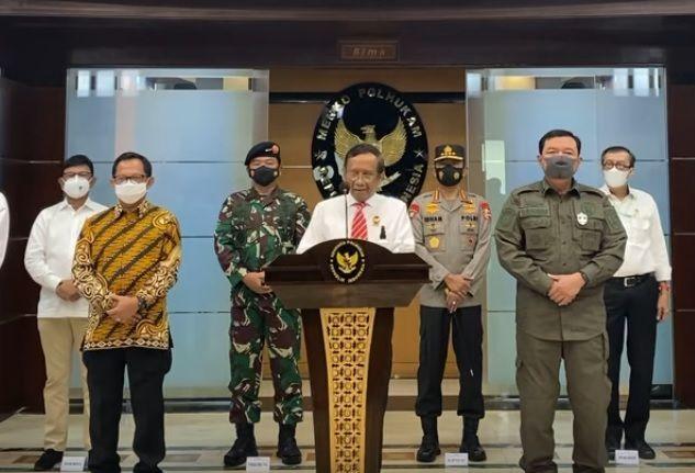 Menko Polhukam, Mahfud MD memberkan keterangan terkait pembubaran FPI. (Foto: YouTube/Kemenko Polhukam)