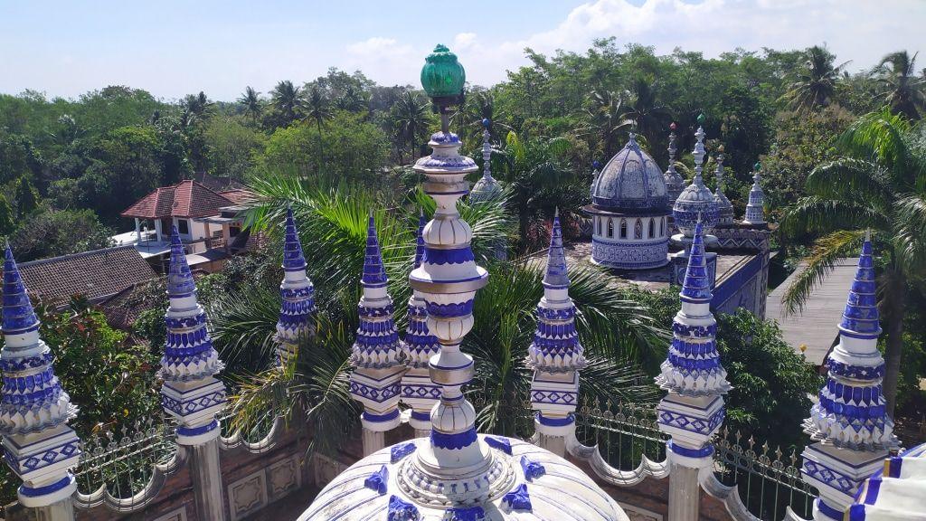 beberapa menara masjid tiban malang