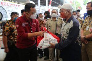 Mensos Juliari Batubara Diduga Pungut Rp 10 Ribu per Paket Sembako