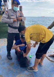 Pemuda asal Malang yang nekat berenang menyeberangi Laut Jawa dari Balikpapan menuju Malang, Jawa Timur. (Foto: Dokumen)