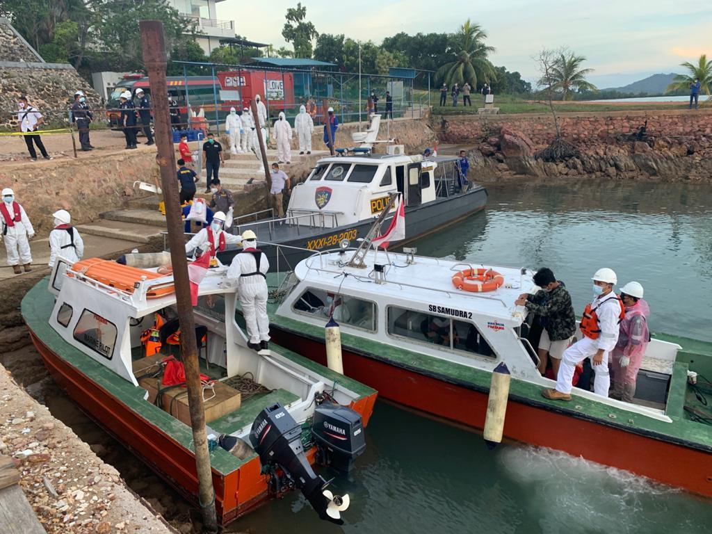Pemulangan 6 ABK di kapal berbendera Cina melalui jalur Batam. (Foto: Kemlu RI)