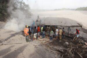 Kondisi lahar usai Gunung Semeru meletus. (Foto: Ben/Tugu Jatim)