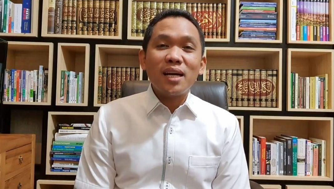 Bupati Lumajang, Thoriqul Haq mengaku positif COVID-19 lewat akun media sosialnya. (Foto: Facebook/Thoriqul Haq)