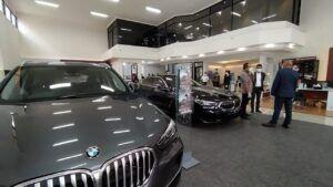 Diler resmi BMW di Kota Malang. (Foto:Azmy/Tugu Jatim)