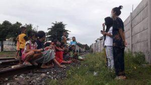 Saat anak-anak belajar bersama di Kampoeng Dolanan Surabaya. (Foto: Dok/Kampoeng Dolanan Surabaya/ Tugu Jatim)