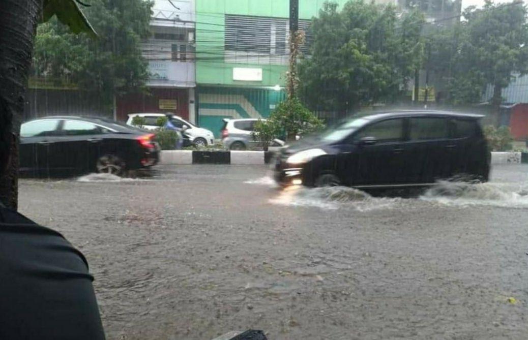 Ilustrasi Banjir. (Foto: Tangkapan Layar Video Netizen/Tugu Jatim)