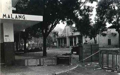 Suasana di sudut Kota Malang saat Agresi Militer II Belanda pada 1949 silam. (Foto: Dok/ Tawangsari Kampoeng Sedjarah/Tugu Jatim)