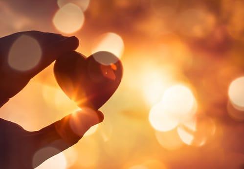Ilustrasi jatuh cinta: (Foto: Pexels/Tugu Jatim)