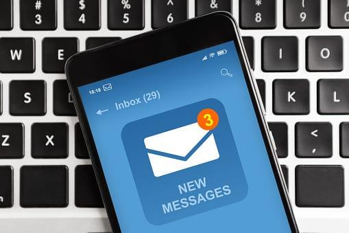 Ilustrasi penipuan melalui telepon genggam mengatasnakaman Bupati Bojonegoro: Pixabay/Tugu Jatim