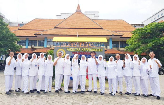 Akademisi Fakultas Keperawatan Universitas Airlangga (Unair) Surabaya membuat aplikasi lowongan pekerjaan untuk perawat. (Foto:Unair Surabaya/Tugu Jatim)