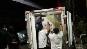 Pemindahan vaksin sinovac ke cool storage milik Kabupaten Malang. (Foto: Rap/Tugu Jatim)