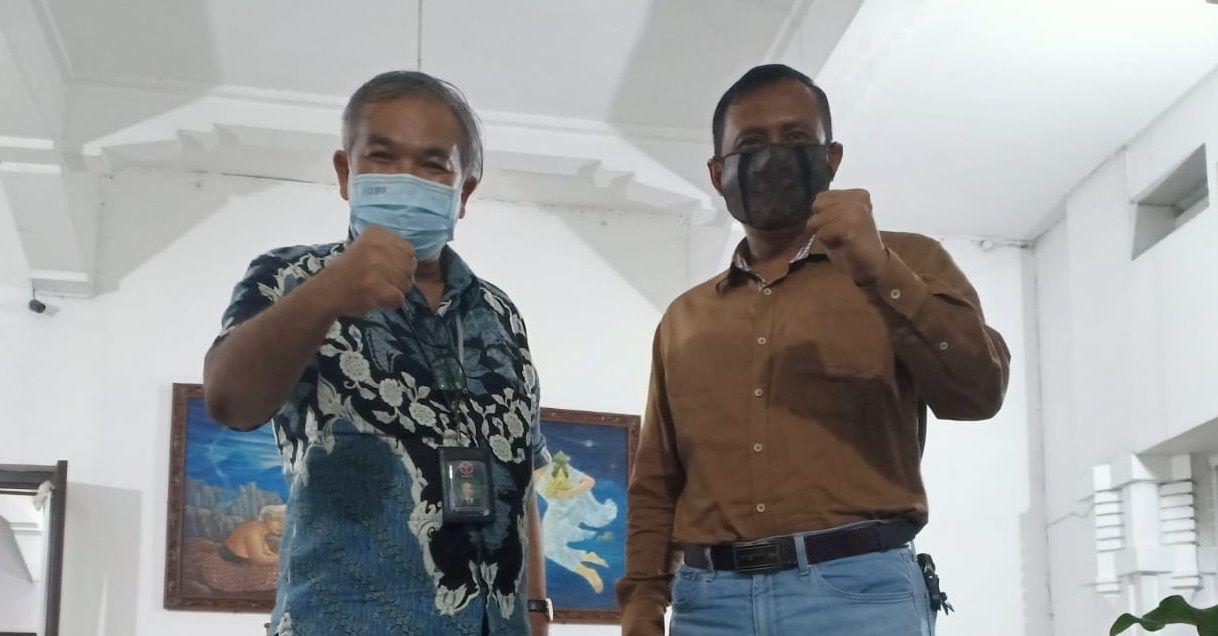 Pakar Komunikasi Dr Aqua Dwipayana bersama Danrem 073/Makutarama Salatiga Kolonel Inf Ari Yulianto.