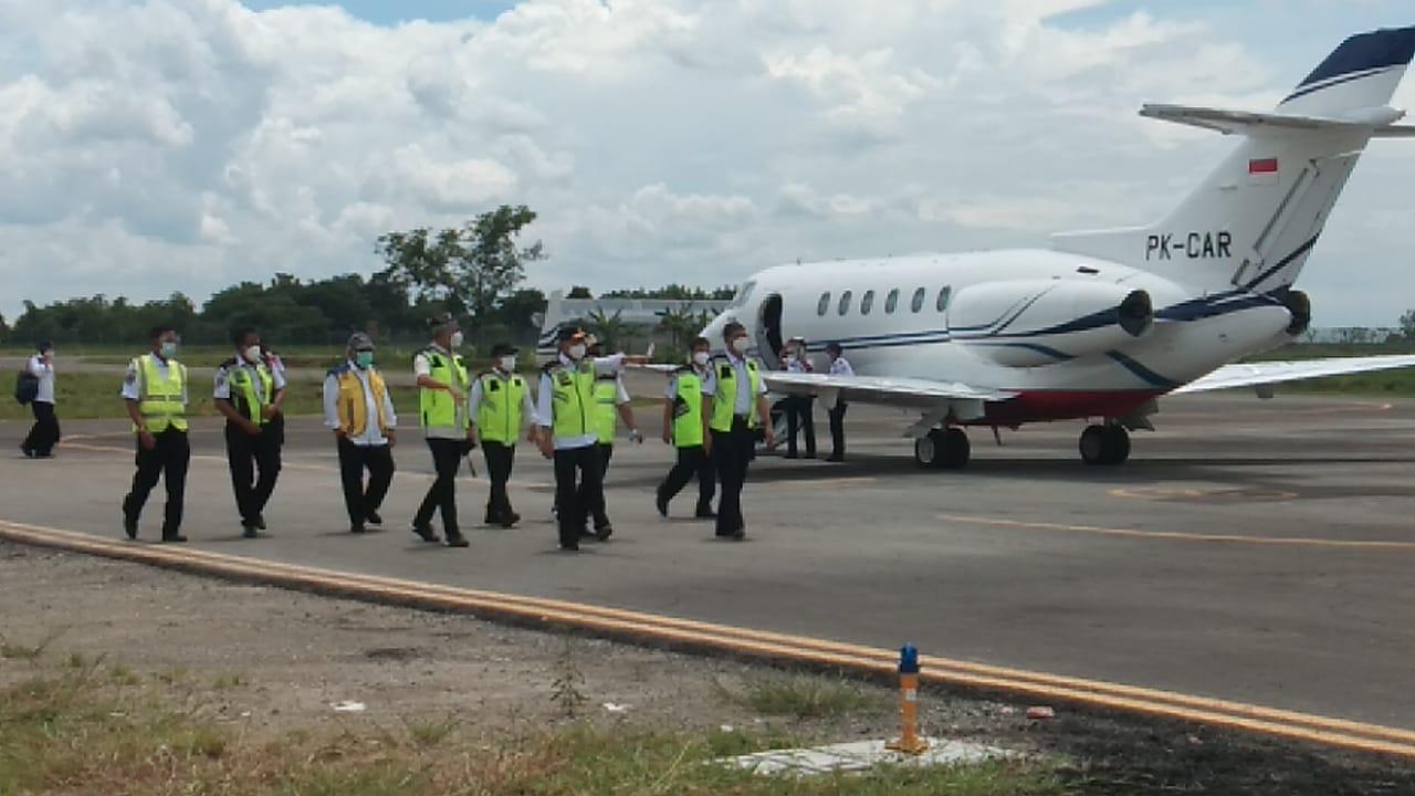 Menhub Budi Karya Sumadi menyatakan Bandara Ngloram, Blora akan menjadi bandara spoke (pengumpan) untuk tujuan Jakarta, Jatim, Kalimantan, hingga Bali. (Foto: Humas Pemprov Jateng)