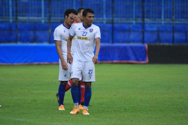 Penyerang Arema FC, Dedik Setiawan akan mendapat jatah vaksin pertama di Kabupaten Malang. (Foto: Dani Kristian/Tugu Jatim) pemain arema