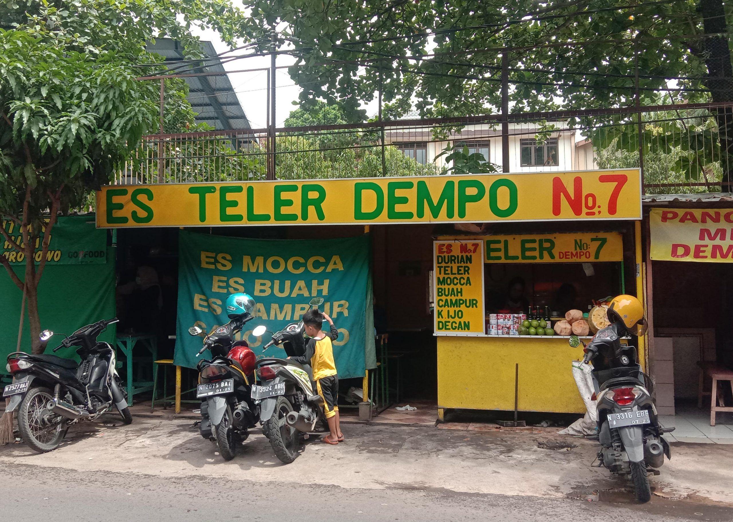 Kedai Es Teler Dempo No 7 yang begitu legendaris di Kota Malang. (Foto: Feni/Tugu Malang/Tugu Jatim)