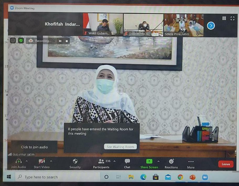 Rakor virtual yang dilakukan Khofifah. (Foto: Instagram Khofifah)