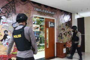 KPK Boyong 5 Koper usai Geledah Balai Kota Among Tani, Kota Batu