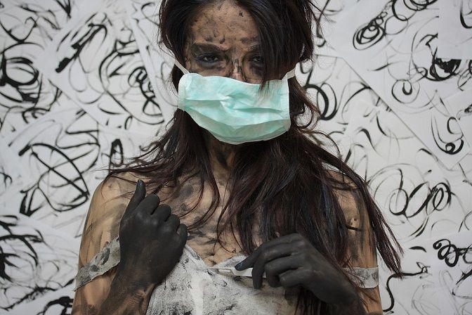 Ilustrasi penggunaan masker yang dimungkinkan masih harus wajib dilakukan hingga 4 tahun ke depan. (Foto: Pixabay)