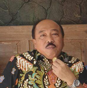 Muhammad Triyono. Mantan Deputi Direktur BPJS Ketenagakerjaan Kanwil Jateng yang baru pensiun 1 September 2020 ini, justru memilih merintis usaha percetakan Al-Qur'an di Semarang. (Foto: Dokumen)