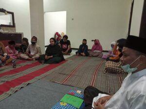 Suasana santunan kepada anak yatim piatu di kantor Tugu Media Group, di Kota Malang. (Foto: Ben/Tugu Malang/Tugu Jatim)