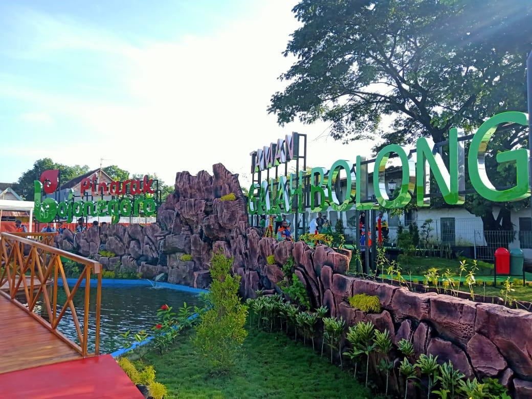 Taman Gajah Bolong yang diresmikan oleh Bupati Anna Muawanah, Jumat (22/1/2021). (Foto: Mila Arinda)