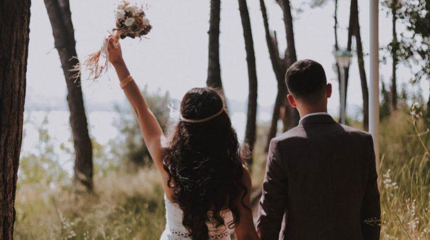 Ilustrasi foto arti mimpi menikah: Pexels
