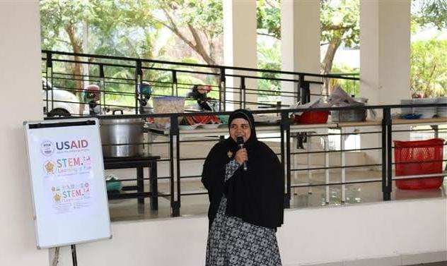 Dr Rini Oktavia MSi MA dari Universitas Syiah Kuala Banda Aceh sekaligus pegiat Pusat Riset Scientific, Technology, Engineering, Mathematics (STEM). (Foto: Dok/Tugu Jatim)