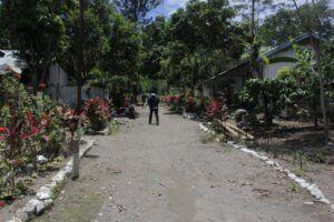 Kampung Damarwulan pun menjadi sepi karena ditinggal warga mengungsi di tempat yang lebih aman. (Foto: Noe/Tugu Jatim)